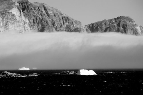 [Leaving Prince Christian Sound in the Fog with Icebergs (BW)]